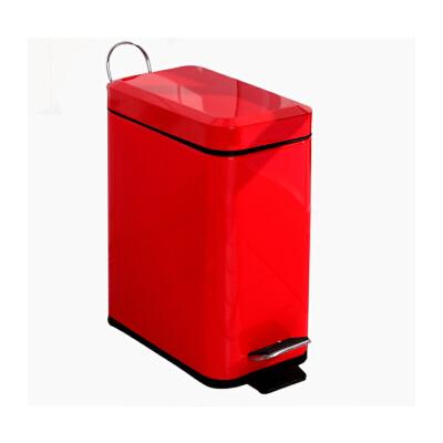 长方形垃圾桶红色